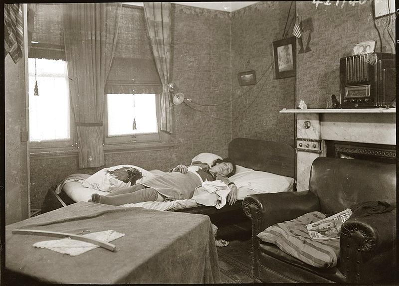 Details Unknow: female murder victim on bed. Circa 1940