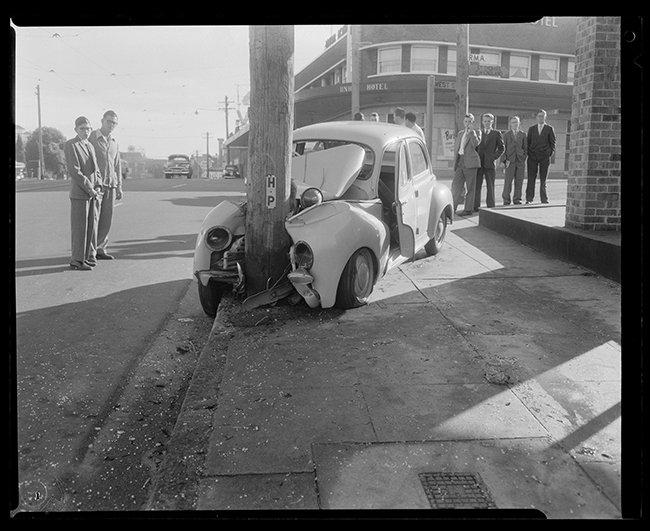 Car crash investigation, North Sydney, 1958